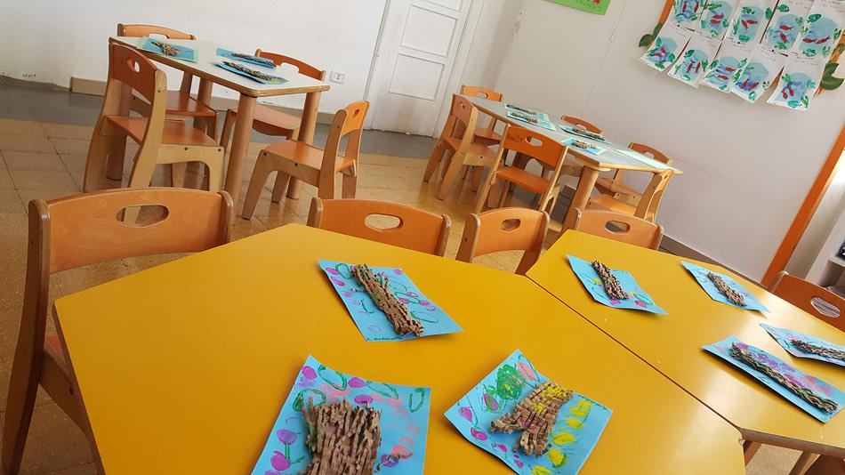 aula colorata della scuola d'infanzia nel barese